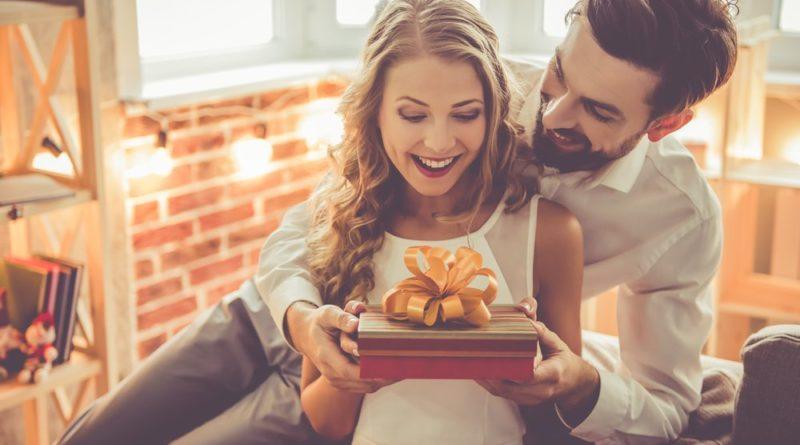 Ce cadou ii oferi logodnicii tale de ziua ei?