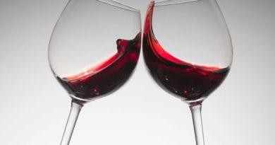 Cele-mai-importante-beneficii-ale-vinului-rosu